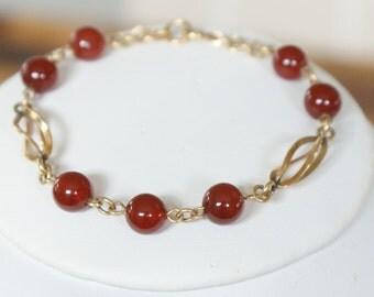 Vintage c1950s 12k Gold Filled Carnelian Gemstone Bracelet.