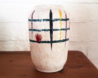 Vintage 1960s white West German Pottery Vase 14 cm