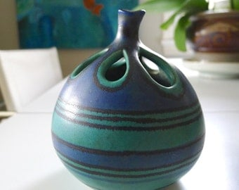 Mid Century Modern Vase, Glidden Pottery Gulfstream, designed by Fong Chow