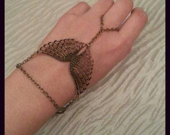 Angel wings Retro slave bracelet.  Antique bronze color Vintage look  hand bracelet.