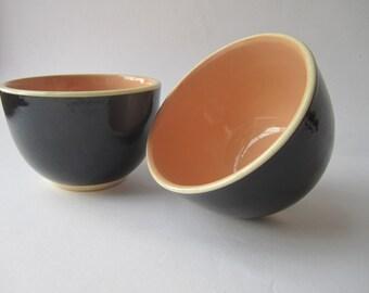 1950s Australian pottery, Hoffman, small black and pinky orange bowls, ramekins