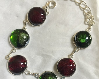 Christmas red and green shiney fused glass bracelet