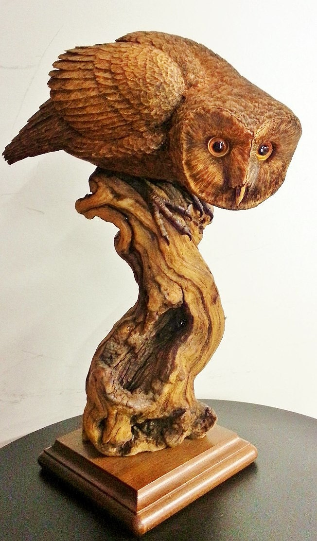Barn owl wood carving spying