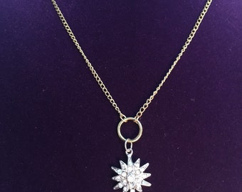 Petite Necklace With Circle & Star