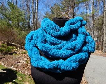 Teal Pompom Scarf\Finger-knit