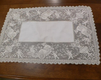 Antique Vintage  Lace Doilie with Puttis, Burato Lace Tablecover with Figurals