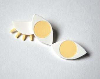 DECLINE of ŒIL, 3D printed eye brooch cream