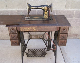Singer Sewing Machine Treadle 1923 Local Pick Up Only