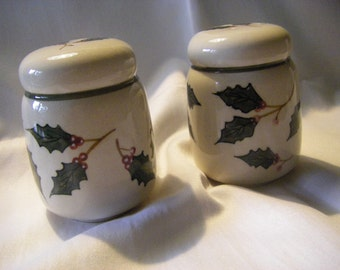 """Holly decor S&P shakers for the dressed HOLIDAY table  3.25"""" tall"""