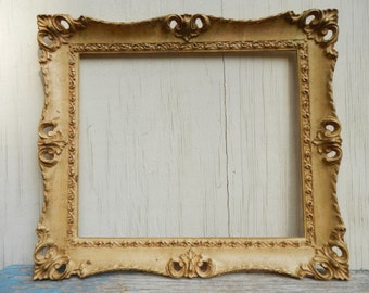 """Pretty French Country Vintage 16 1/2"""" x 14 1/2"""" Frame!"""