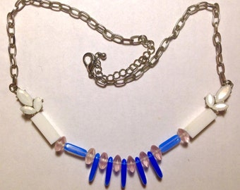 Spiky blue and white necklace