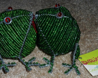 Vintage BeadWorx Magnetic Kissing Frogs
