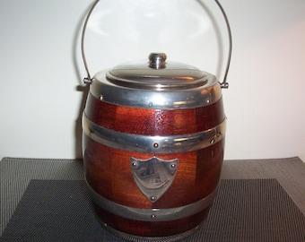 Vintage barrel Ice bucket biscuit barrel. 1960's wooden barrel styled Ice Bucket.