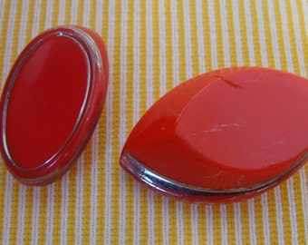 Red Art Deco - Glass sewing buttons - - Boutons couture rouges