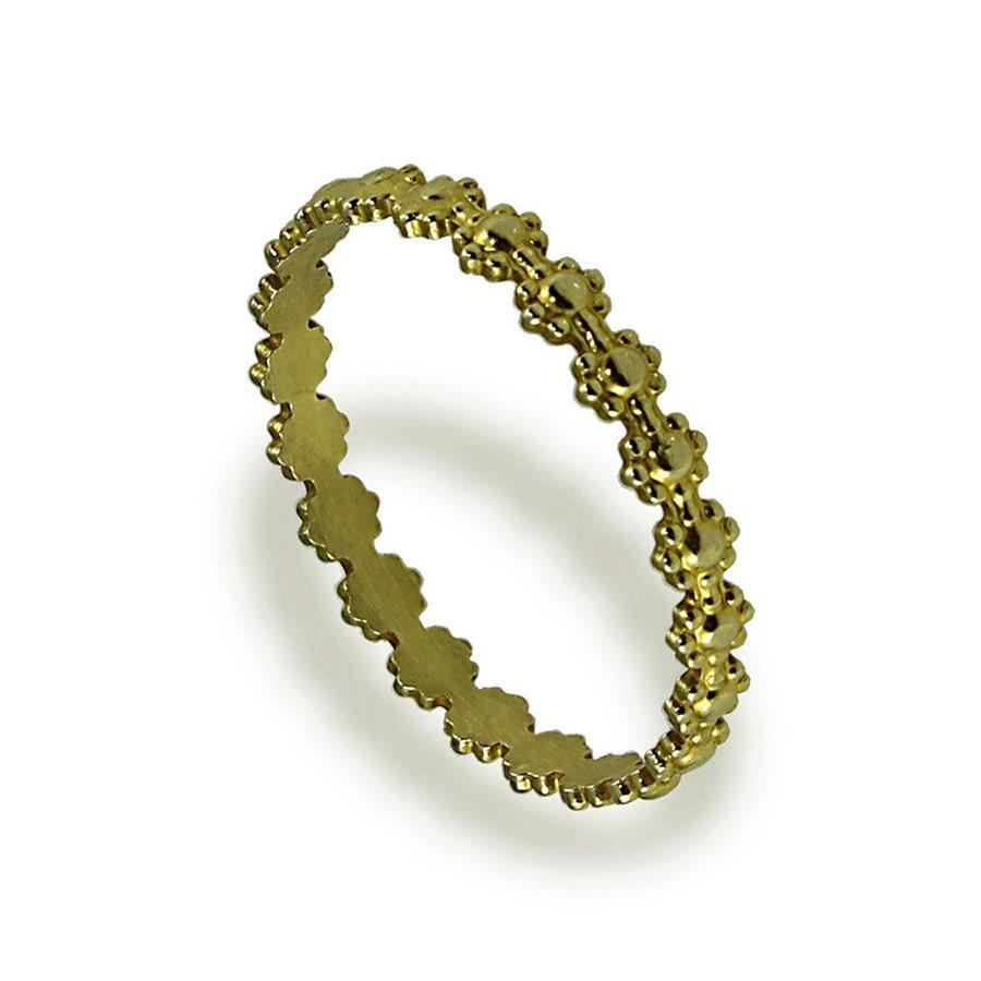 dainty flower wedding band 14k yellow gold wedding ring. Black Bedroom Furniture Sets. Home Design Ideas