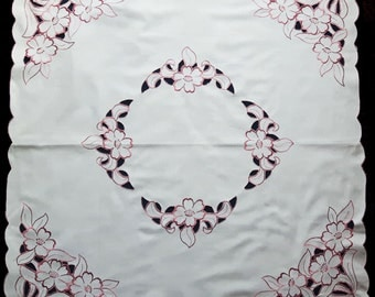 Machine embroidered tablecloth