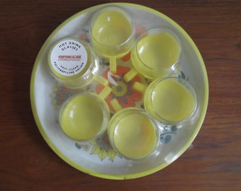Vintage set of six heat resistant glasses with retro floral tin tray, Western glass international,yellow glasses with retro floral tin tray