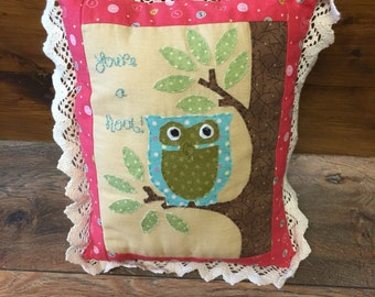 You're a hoot! Appliqued owl cushion