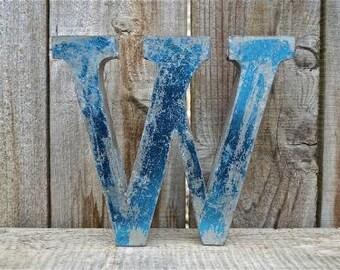Medium vintage style 3D blue letter W
