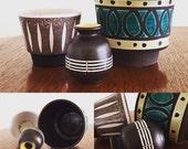 Halverwege de eeuw Nederlandse keramische plantenbakken en vaas / Vintage Nederlandse keramische plantenbakken en vaas