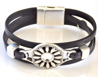 Silver Zamak Metal Rhinestone Flower and Leather Bracelet, Magnetic Clasp, Created in the Spanish Uno de 50 Style