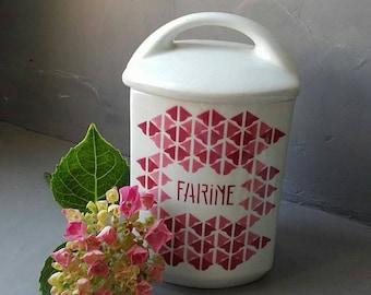 Former flour jar