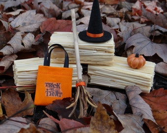 """Dollhouse Halloween Costume Witch Hat Broom Trick or Treat Bag 1"""" Miniature 1:12"""