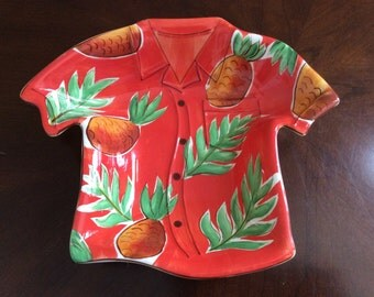 A Clay Art Tropical Ceramic Hawaiian Shirt Serving Bowl, Tiki Party Ware