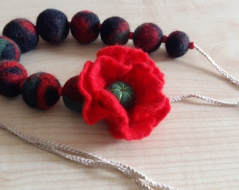 Felt Wool Necklace.Felt flower.Red flower.Felt flower.Necklace for Women.Organic Wool100%.Wood.Orcanic cotton.Bright necklace.Eco-frendly.