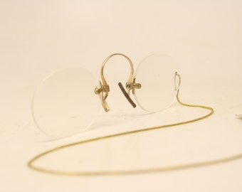 Pince Nez Eyeglasses Antique Hard Bridge Gold Tone eyeglasses 250 + Chain
