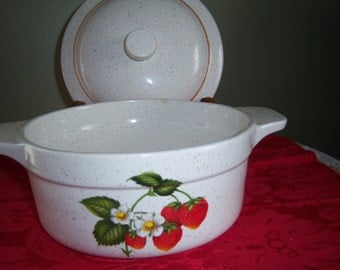 Vintage Covered Casserole Treasure Craft Made in USA Strawberry Motif