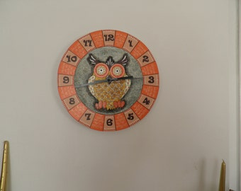 Owl wall clock.. Quiet clock black friendly white Nurcery boy room girl room german clockwork.