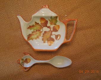 Tea Bag Holder and Matching Sugar spoon ~ hand painted Acorns