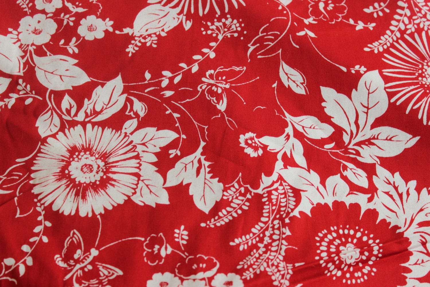 Red white hawaiian cotton fabric by the yard cotton for Cotton fabric by the yard