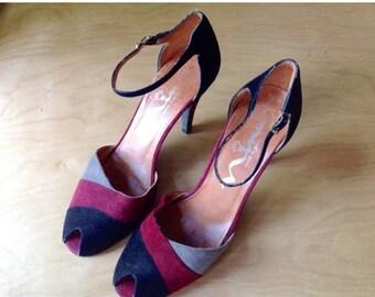 SALE 1970s color block peep toe sandals