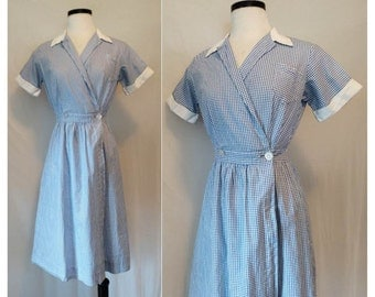 Vintage 1940s Gingham Dress // 40s day dress // vintage blue and white gingham wrap dress