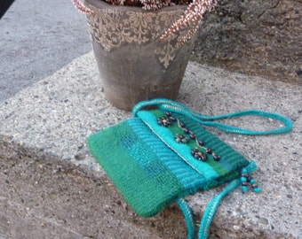 80s Hand Woven Purse, Blue Green Woven Wool Shoulder Purse, Vintage Wool Purse Cotton Lined Purse with Wood Beads