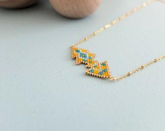 Collier éthnique chic, tissé à l'aiguille, perles miyuki, apprêts dorés à l'or fin 24 carats, modèle original
