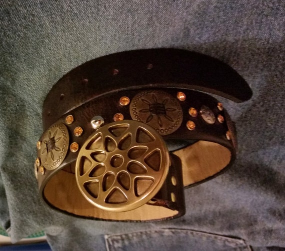 """Brown Leather CRYSTAL STUD & CONCHO Belt 32"""" to 36"""" with Brass Sunburst Buckle, Amber Rhinestone Bling. Womens Western-Biker-Rodeo"""