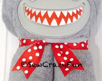 Shark hooded towel bath/pool/beach