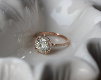 8mm Round Cut Moissanite Engagement Ring 14K Rose Gold Moissanite Ring/Anniversary Ring/Diamond Halo Ring/Wedding Ring/Charles & Colvard