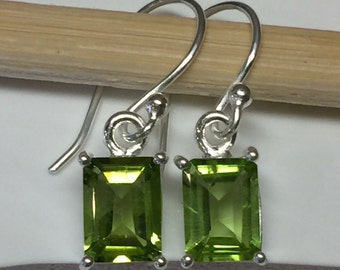Natural 2..5ct Emerald Cut Peridot 925 Solid Sterling Silver Earrings 25mm long