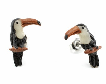 "Hand Carved - ""Toucan"" - Horn with Sabo Wood and Bone Inlay Stud Earring - Rainforest"