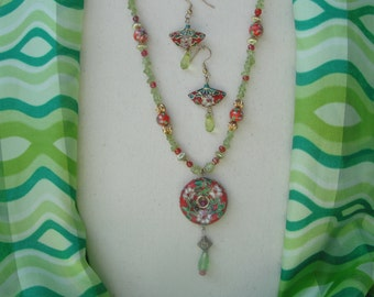 Red & Green Cloisonne Necklace Set