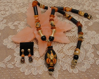 Wood with Hand Painted Pendant Necklace Set