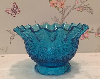 """Blue L.E. Smith Glass Bowl with Ruffled Edges and Scalloped Foot/ Pattern Crimpled """"Daisy and Button No. 4621"""""""