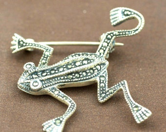 Sterling Silver Frog With Marcasite Stones Brooche