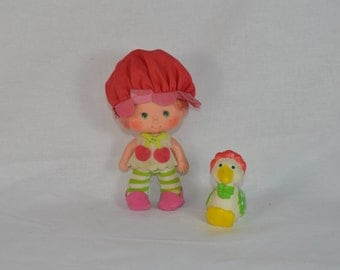 Cherry Cuddler with complete with Gooseberry Goose pet vintage Strawberry Shortcake doll Kenner 1980