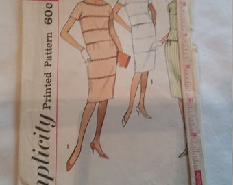 Simplicity Pattern 4472 for Blouse and Skirt