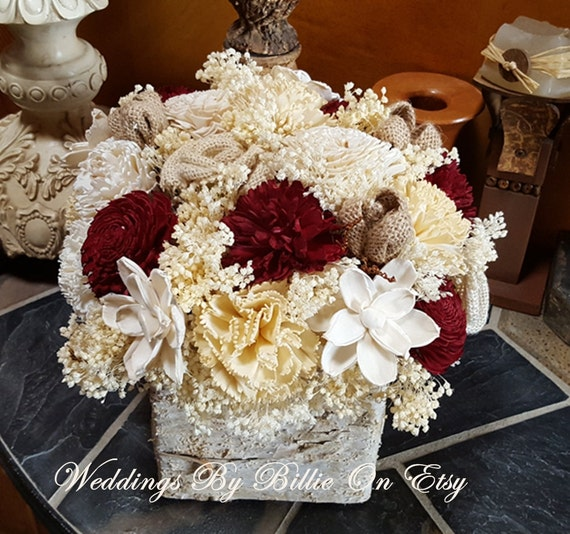 Wedding table centerpiece wine burgundy sola